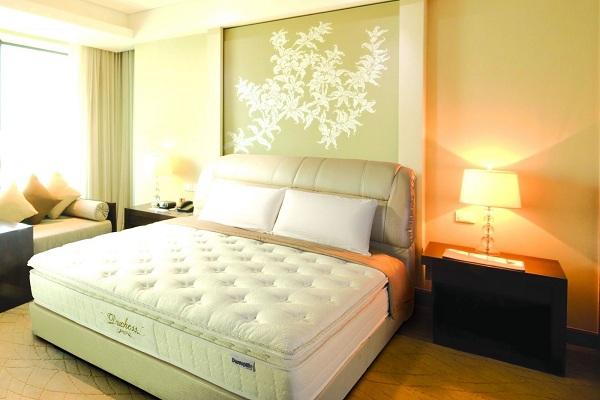 Chọn chăn ga gối khách sạn cho phòng nhỏ