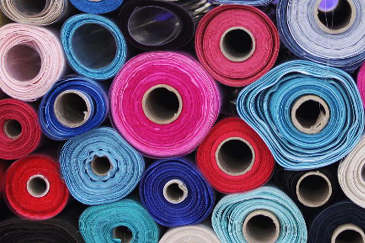 Vải Polyester có màu sắc nổi bật