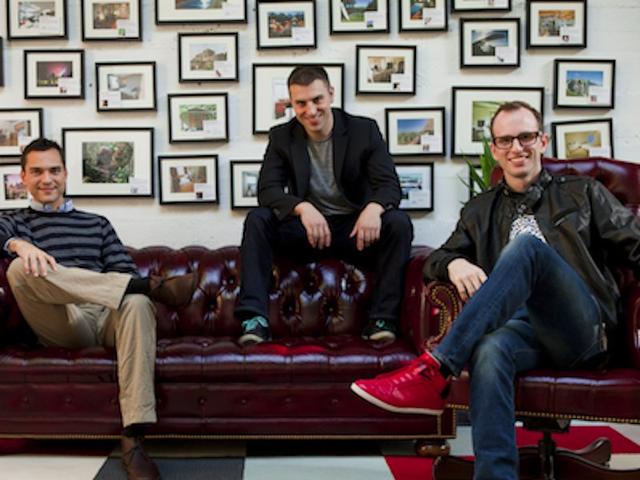 Từ ý tưởng cho thuê đệm, 3 chàng trai này đã biến nó thành một công ty 25 tỷ USD