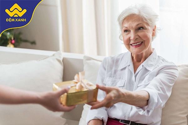 Top quà tặng chăn ga gối đệm cho quý bà sang chảnh