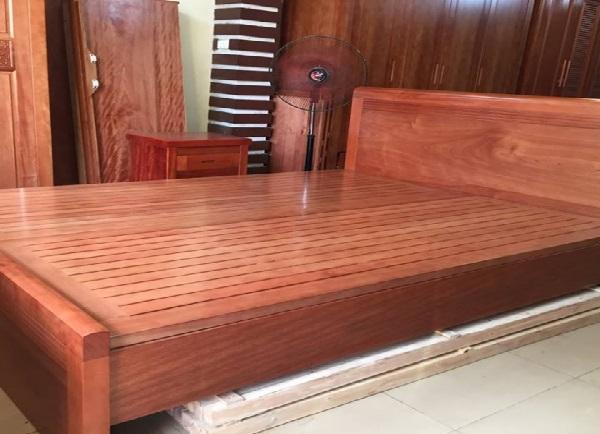 Kết quả hình ảnh cho giường gỗ xoan đào