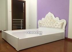 Giường gỗ MDF 11 sơn trắng bọc nệm đầu giường