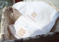 Bộ khăn tắm khách sạn Givenchy