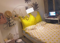 Kê đầu giường hình vương miện 36