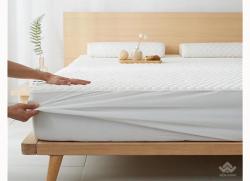 Thảm trải giường cao su non màu trắng