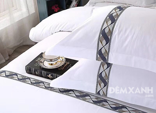 Bộ chăn ga gối khách sạn lụa thêu KSLT09