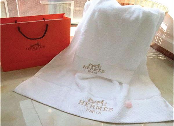 Bộ khăn tắm khách sạn Hermes