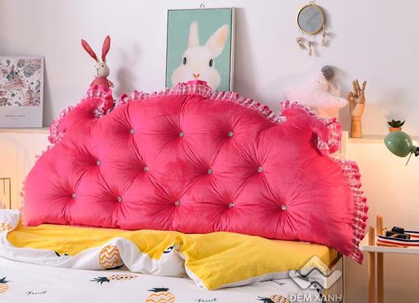 Kê đầu giường Khuy màu hồng