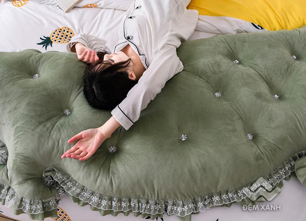 Kê đầu giường Khuy màu xanh rêu