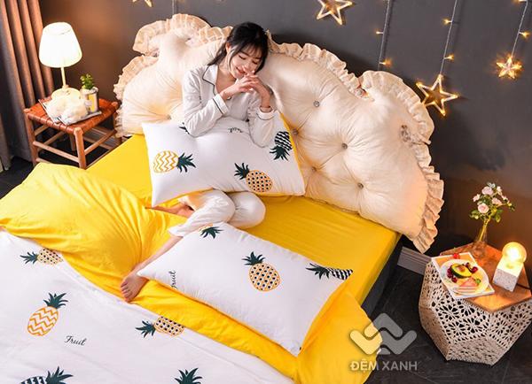 Kê đầu giường Khuy màu kem