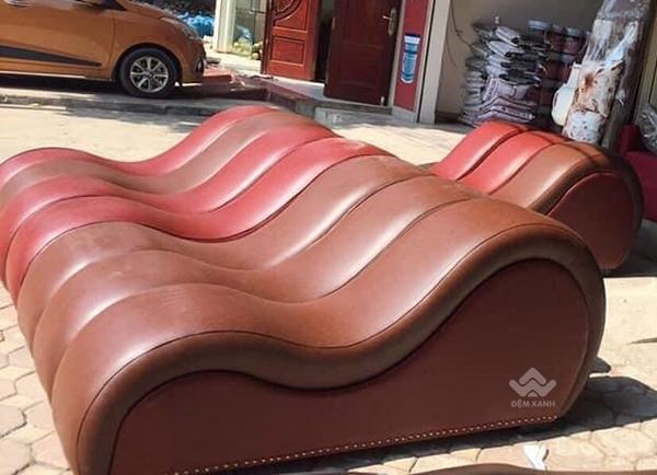 Ghế tình yêu classic màu nâu đỏ