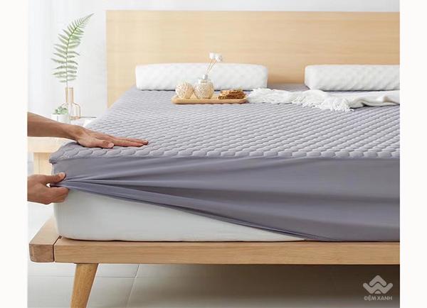 Thảm trải giường cao su non màu ghi