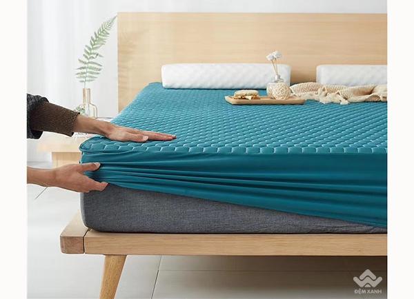 Thảm trải giường cao su non màu xanh cổ vịt